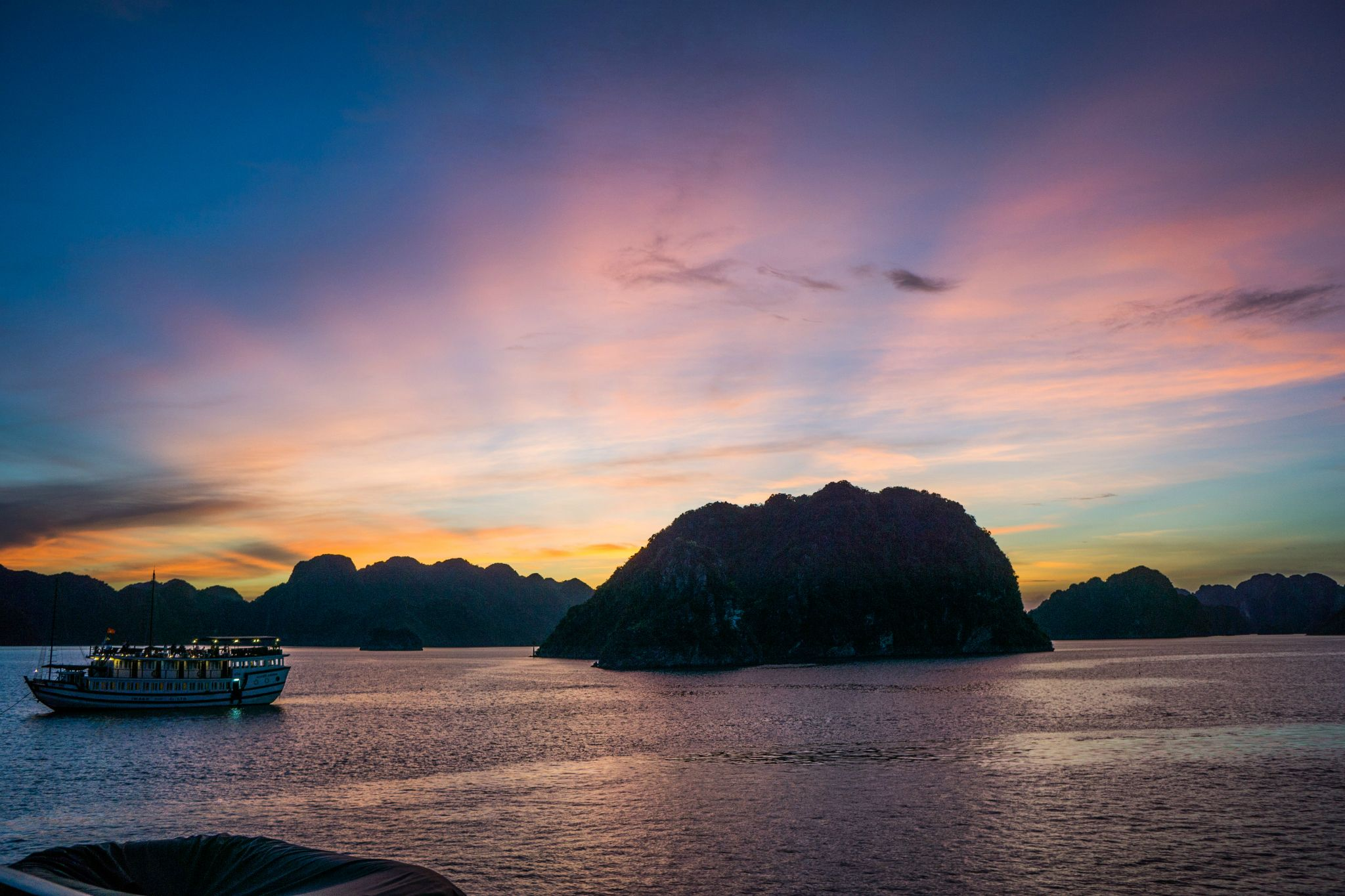 Sunset Views in Halong Bay